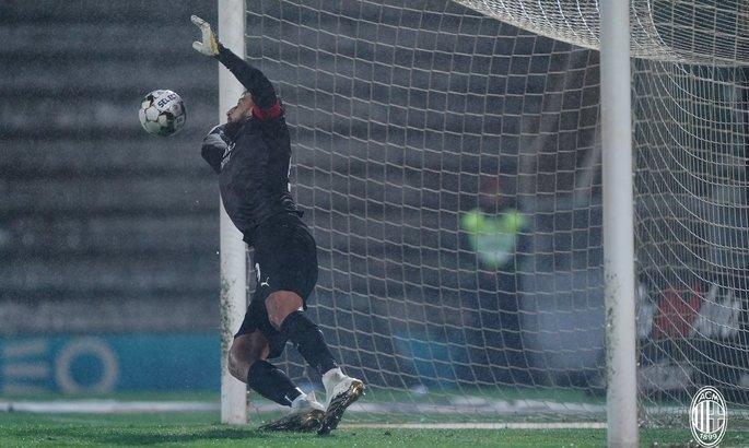 Невероятная удача фаворита. ВИДЕО серии пенальти в матче Лиги Европы Риу Аве - Милан