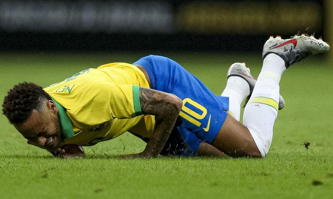 У Неймара травма спины – бразилец может пропустить старт квалификации ЧМ-2022