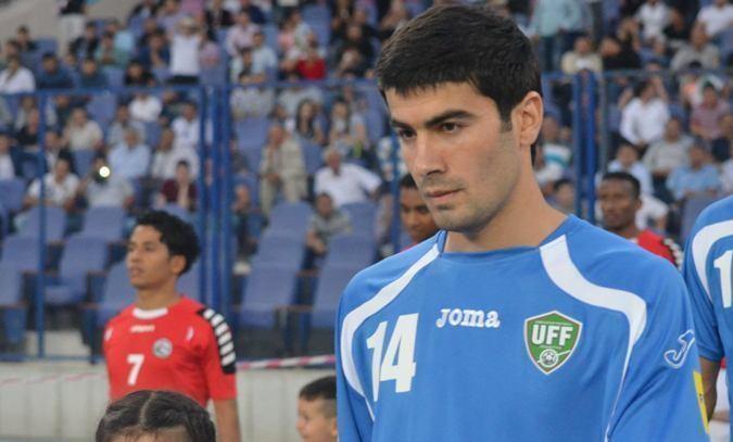 Верес просматривает полузащитника из Узбекистана