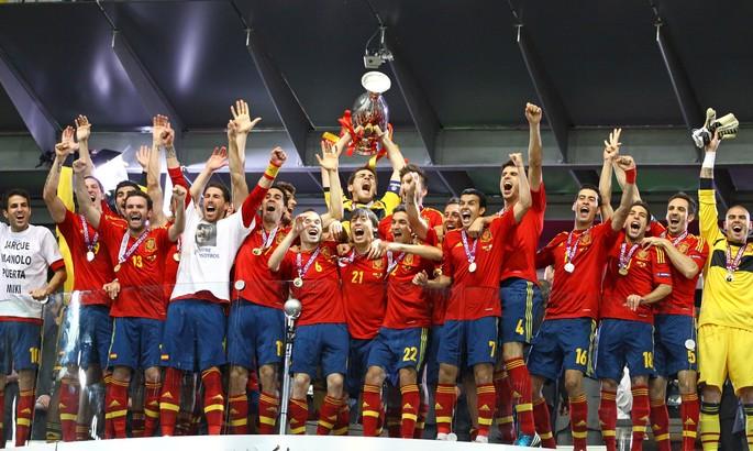 Коллективная вариативность и молодые крылья. Новые принципы сборной Испании - изображение 1