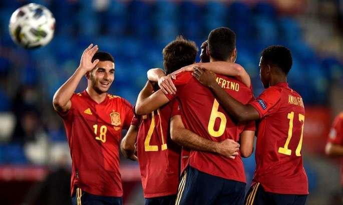 Коллективная вариативность и молодые крылья. Новые принципы сборной Испании - изображение 6