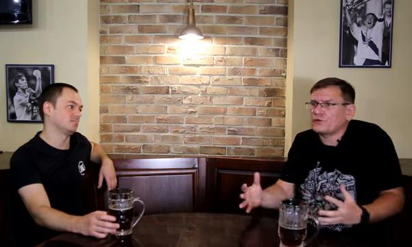Фанаты Динамо увидели в фигурах Луческу и Ахметова причину войны на Донбассе
