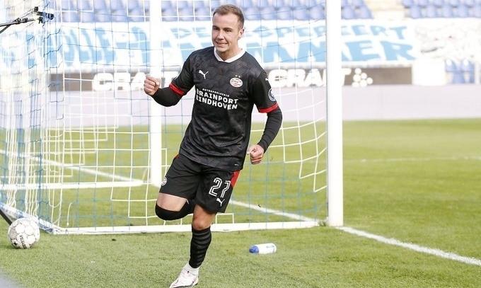 Гетце забил первый гол в дебютном матче за ПСВ на 9-й минуте