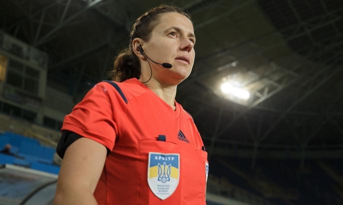 Топовый арбитр украинского мужского футбола - женщина. Что нужно знать о Екатерине Монзуль