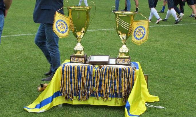 Новые Карпаты включены в состав аматорского чемпионата Украины, где уже сыграно 6 туров первенства