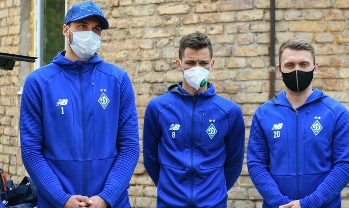 COVID-19 в Динамо, сюрпризы ПФЛ и перестрелка Милана и Ромы. Главные новости от 26 октября