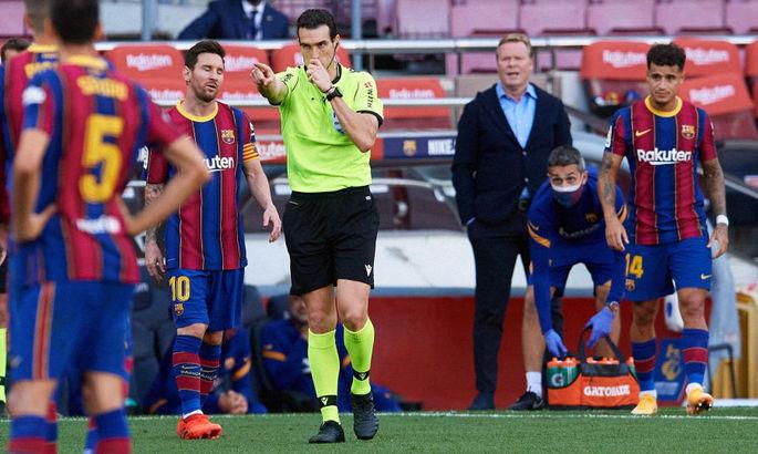 Sport.es: ассистент предупредил главного арбитра Эль-Класико, что пенальти на Рамосе не было