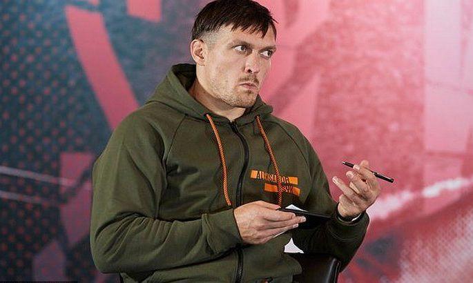 Усик: Ломаченко – божевільний зі своїми тарганами в голові