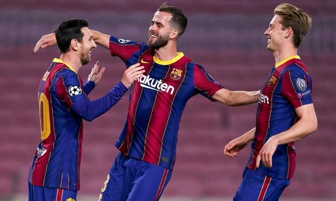 Барселона уже на 5-й минуте открыла счет в матче с Динамо. ВИДЕО