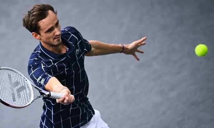 Даниил Медведев победил Надаля и вышел в финал Итогового турнира