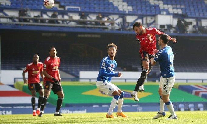 Эвертон - Манчестер Юнайтед 1:3. Бернард - хорош, но Фернандеш - лучше