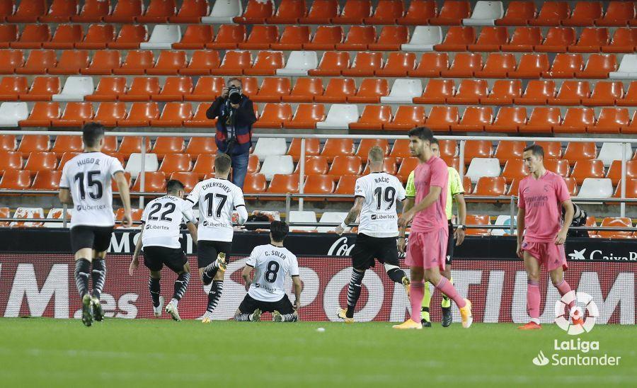Примера. 9-й тур. Валенсия - Реал 4:1. Пенальти-голепад: Мадрид уничтожен с точки - изображение 2