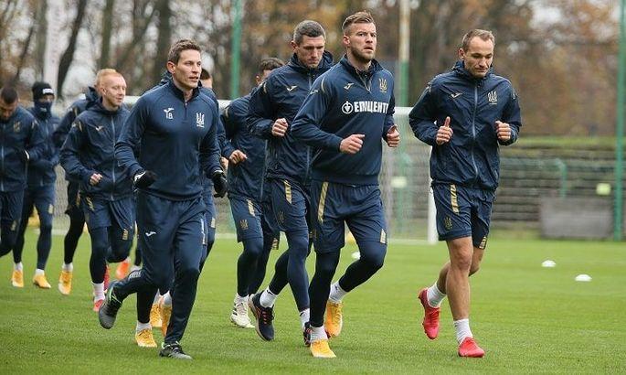 Сборная Украины провела тренировку в Польше, после чего вылетела на матч с Германией