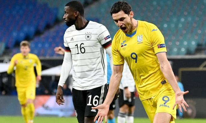 Яремчук открыл счет в матче Украина - Казахстан