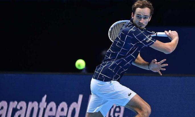Медведев впервые в карьере пробился в полуфинал турнира серии Большого шлема