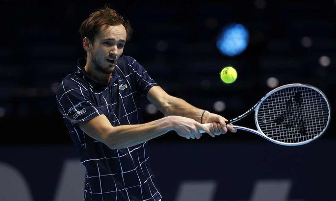 Драматичная победа Медведева в финале Итогового турнира. ВИДЕО