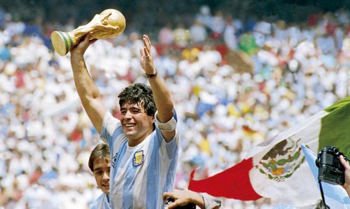 """""""Он наконец-то обретет покой в руках Бога"""". Футбольный мир скорбит из-за утраты Марадоны"""