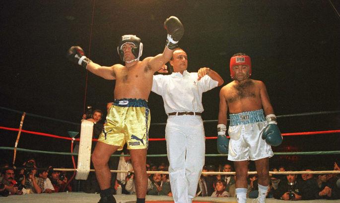 А вы знали, что Марадона в 1996 году провел бой с экс-чемпионом мира по боксу?