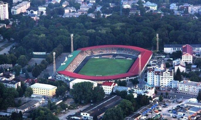 Портят газон бутсами. Ниву выгнали со стадиона в Тернополе