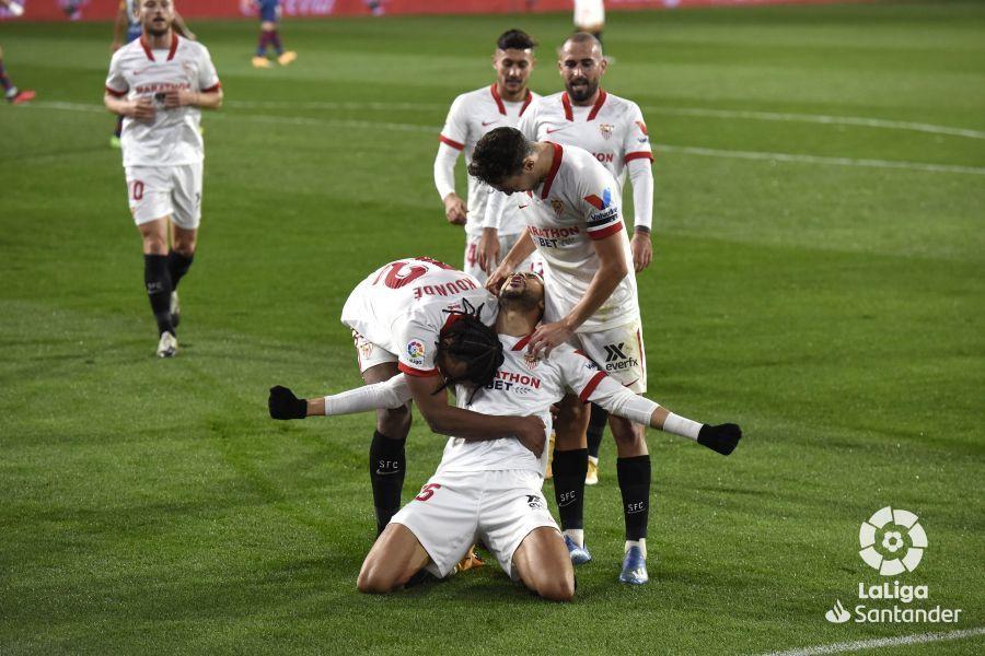 Примера. 11-й тур. Атлетико побеждает в классической манере, Севилья снова забивает после 80-й минуты - изображение 3