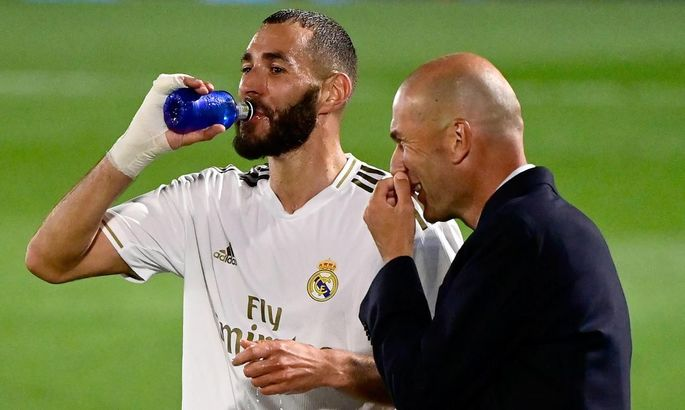 Зидан: Я бы никогда не убрал из своей команды такого футболиста, как Карим Бензема