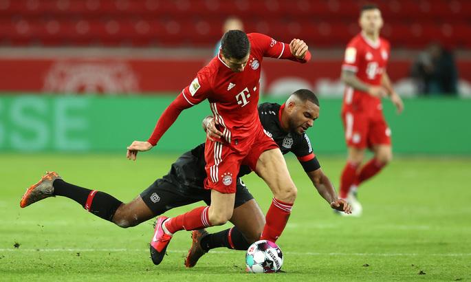 Бундеслига. Байер - Бавария 1:2. Первое поражение Леверкузена, дубль лучшего игрока в мире