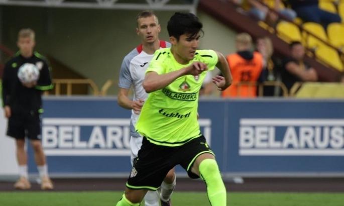Динамо проявляет интерес к игроку сборной Узбекистана