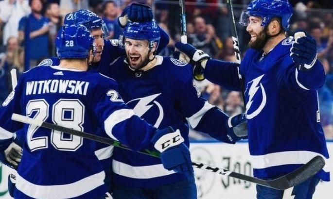 НХЛ: Тампа забросила 8 шайб в ворота Айлендерс и повела в серии