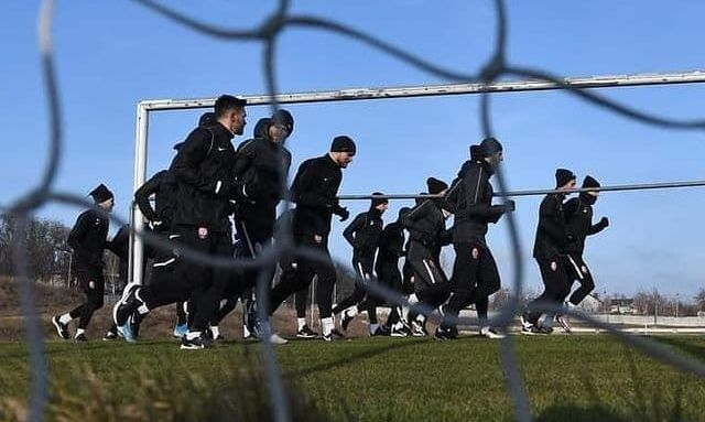 Клуб Первой лиги ведет переговоры по аренде трех игроков Зари