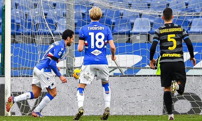 Серия А. Интер проигрывает и прерывает серию, Аталанта и Рома без проблем
