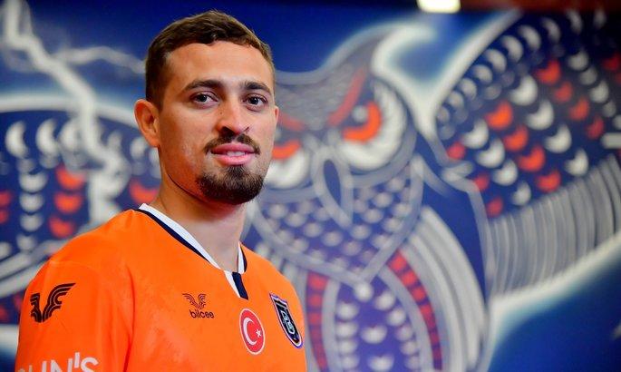 Чемпион Турции арендовал защитника Милана