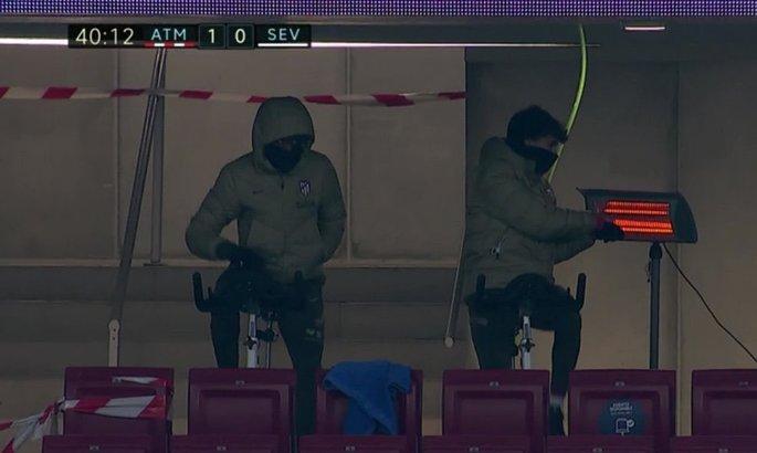 Запасные футболисты Атлетико нашли интересный способ согреться при минусовой температуре