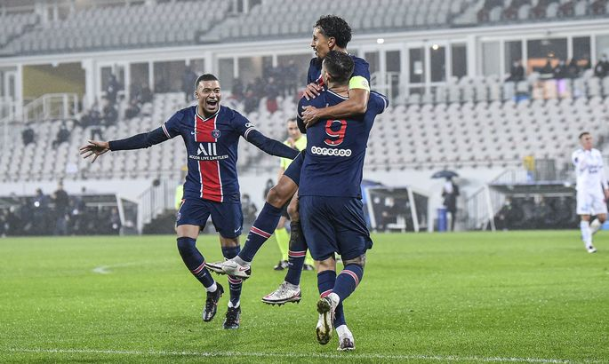 ПСЖ бьет Марсель и берет восьмой кряду Суперкубок Франции