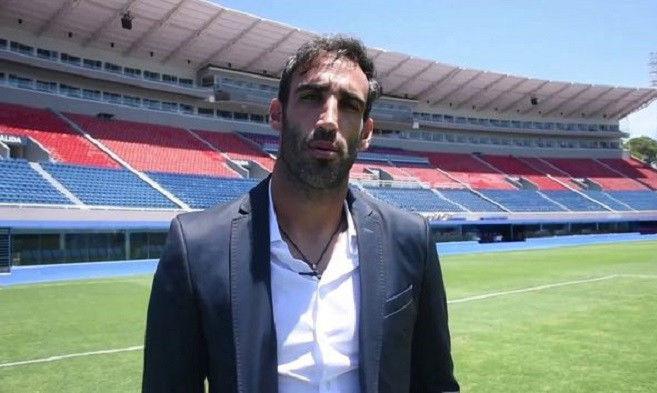 Экс-форвард Динамо предложил свою кандидатуру на пост главного тренера аргентинского клуба