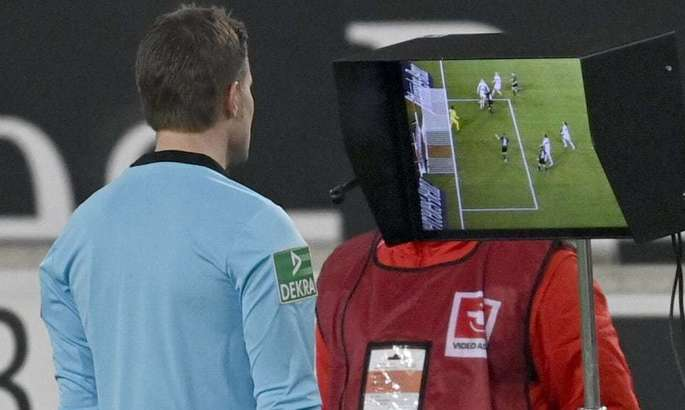 Фелікс Брих визнав помилковість призначення пенальті у ворота Ґладбаха на 90+6 хвилині