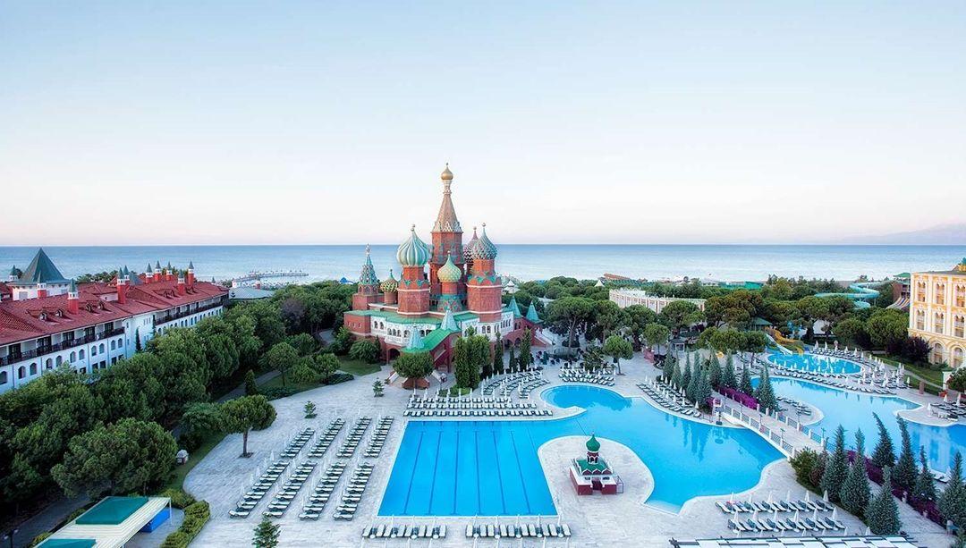 Готель Маріуполя в Туреччині - точна копія Кремля, але в клубі не бачать в цьому зраду - изображение 6