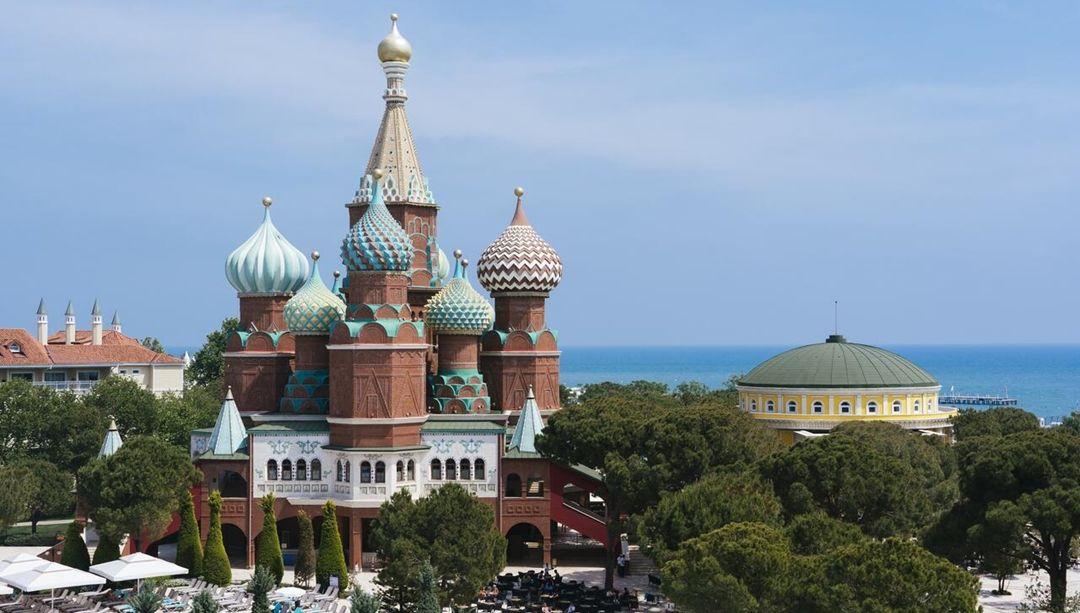 Готель Маріуполя в Туреччині - точна копія Кремля, але в клубі не бачать в цьому зраду - изображение 3
