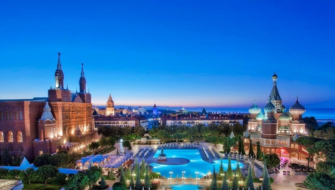 Готель Маріуполя в Туреччині - точна копія Кремля, але в клубі не бачать в цьому зраду - изображение 2