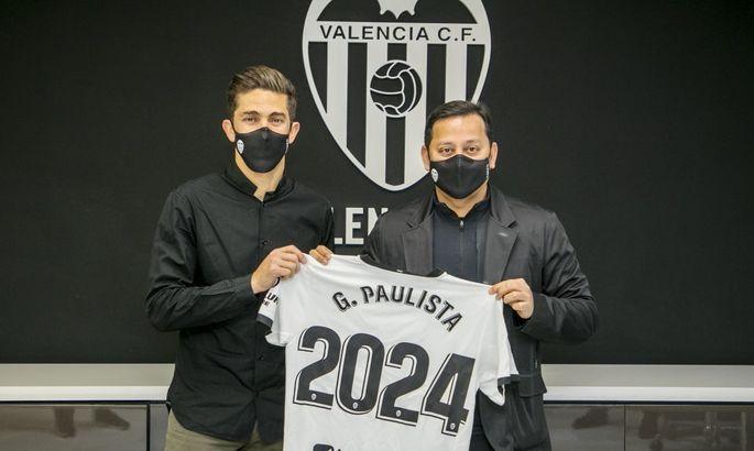 Габриэл Паулиста продлил соглашение с Валенсией