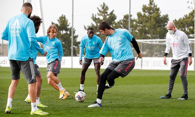 Рамос, Азар, Карвахаль и Иско вне заявки. Реал отправился на матч Ла Лиги без ряда игроков основы