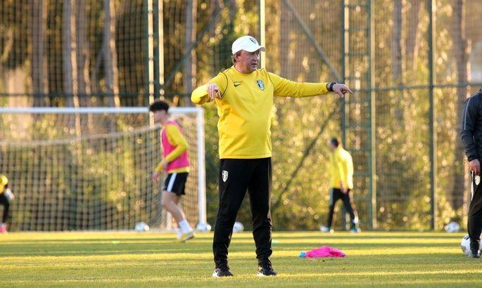 Шаран увидел проблемы у игроков Александрии из-за необычно быстрого газона