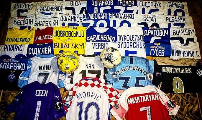 50 тыс за футболку, война с Франом Солем, драки за трофей и предрассудки. Кто они такие, футбольные коллекционеры?