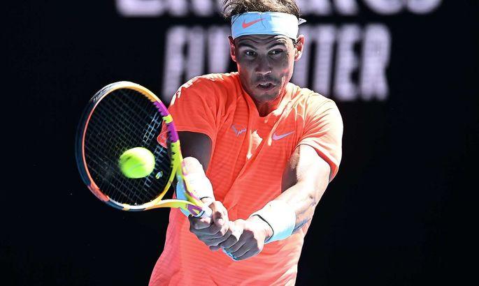 Надаль с трудом вышел в 1/8 финала турнира в Барселоне