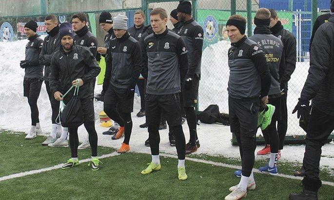 Матч Олімпік – Дніпро-1 пройде за порожніх трибун