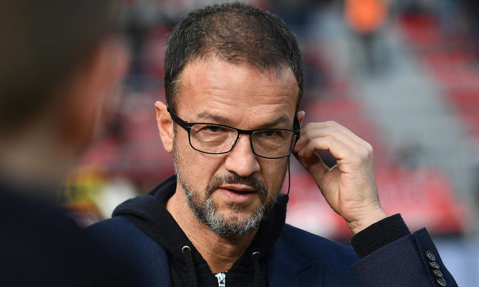 Бывшая звезда футбола Германии оказался в центре скандала между Айнтрахтом и Гертой