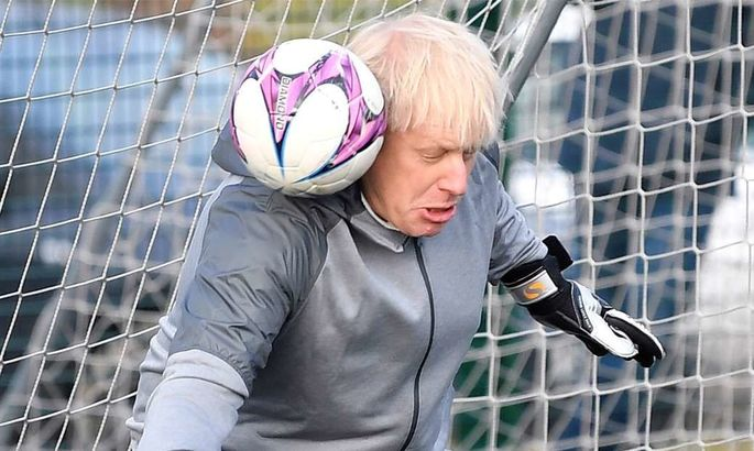 Прем'єр-міністр Великобританії заявив про готовність країни провести частину матчів ЄВРО
