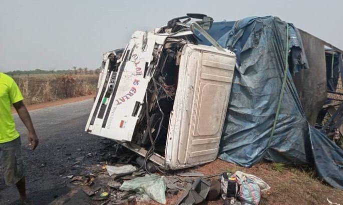 Девятеро футболистов стали жертвами аварии в Африке