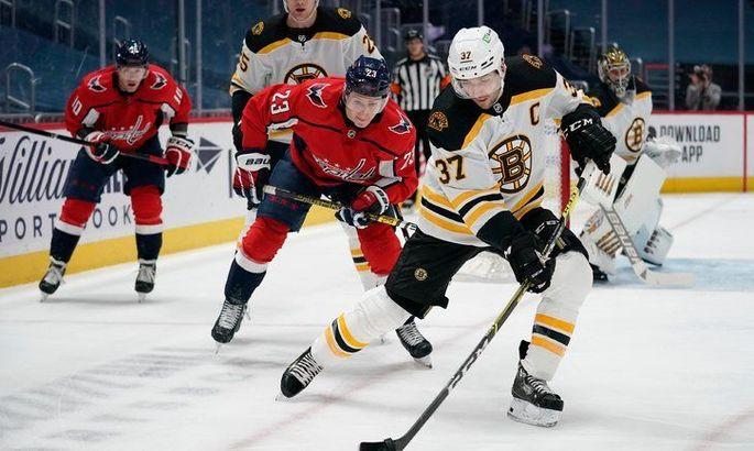 НХЛ: Вашингтон дожал Бостон, победы Вегаса и Торонто