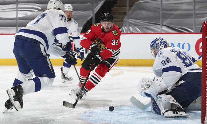 НХЛ: Тампа бьет Чикаго, камбэк Филадельфии в матче с Питтсбургом