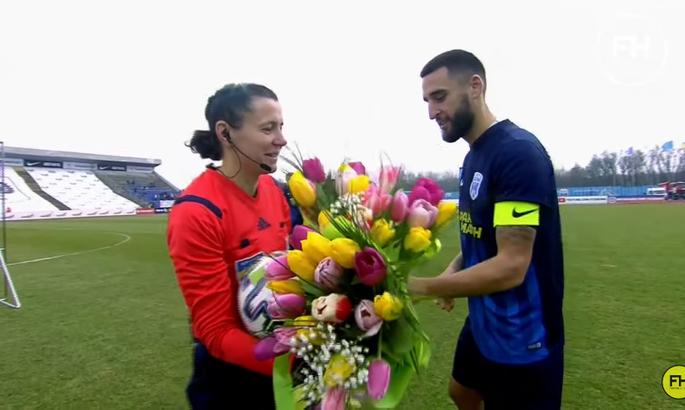 Монзуль: Команды часто мне дарят цветы. Но есть шутка, что их лучше дарить после игры, а не до